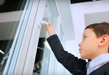 Как выбрать окно для детской комнаты: советы экспертов